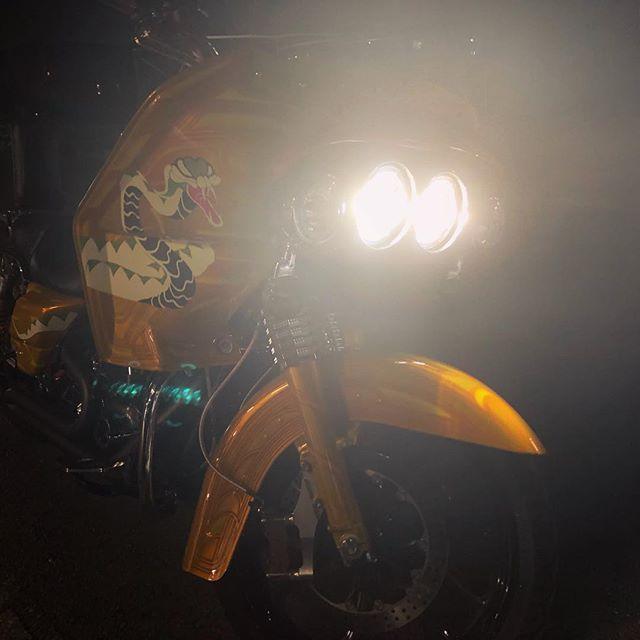 Test ride  #cobrabike #coboo #harleydavidson #liberatorfairing #vetterfairing #roadglide #jointscustombikeshow #custompaint