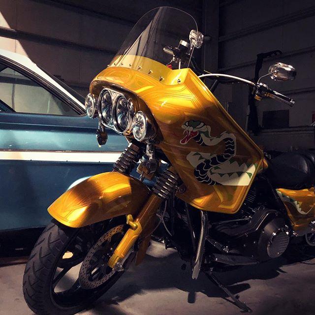 #cobrabike #liberator #liberatorfairing #vetterfairing #coboo #twincam #harleydavidson #1976 #custompaint #unitedblockcustoms #clubstyle #bagger #hogg #performancebagger