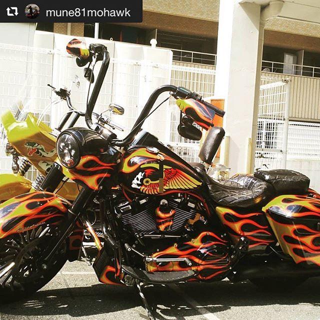 #repost @mune81mohawk via @PhotoAroundApp Lunch meeting! #ツーリング #ロードキング#ロードキングスペシャル #Flhrs #milwaukeeeight #baggerstyle #herlydavidson #herly #baggerstyle #clubstyle #clubbike #mc #hellsangels  #ヘルズエンジェルス #バイカー #nomads #japanesebiker #CobooStudio #custompaint #Firepaint #UNITEDBLOCKCUSTOMS #coboo#コブー #bikerfashion#ハーレー