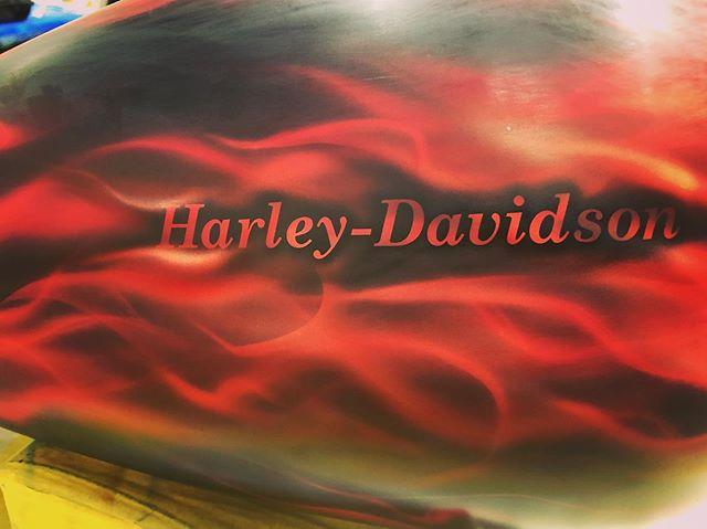 #coboo #custompaint #harleydavidson #airbrush
