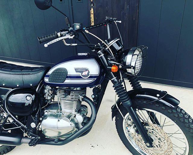 旧友達もいろんなバイクで楽しいバイクライフを送っておりますね〜 寄って頂きサンクス♫#coboo #motorcycle #motorcyclelife