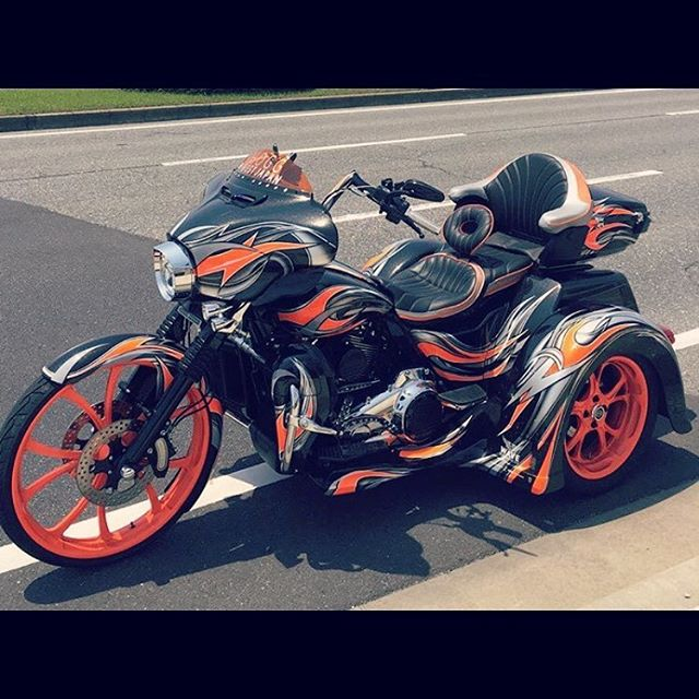 #unitedblockcustoms 26inch Custom Tri Glide !!😎@osakasp @unitedblockcustoms #harleydavidson #triglide #triglideultra #custompaint #hogg #trike