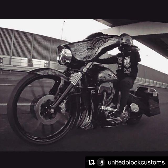 #Repost @unitedblockcustoms with @get_repost・・・United Ride.#harleydavidson #motorcycle #unitedblockcustoms #billetparts #ride #biker #bagger #coboobagger #flhx #streetglide #cvo #custompaint