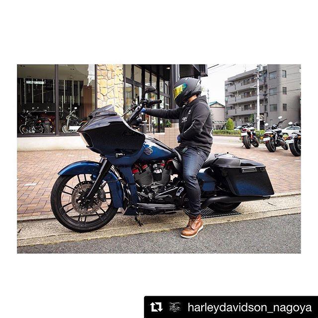 戦闘的なスタイルに変身した2019CVOTR!まだ調整が残ってますが、ライディングのしやすさはかなりUPとの事♫ いい感じ♫ですね〜#Repost @harleydavidson_nagoya with @get_repost・・・.🦈.#HarleyDavidson #ハーレーダビッドソン #Harley #ハーレー #CVO #CVORoadGlide #FLTRXSE