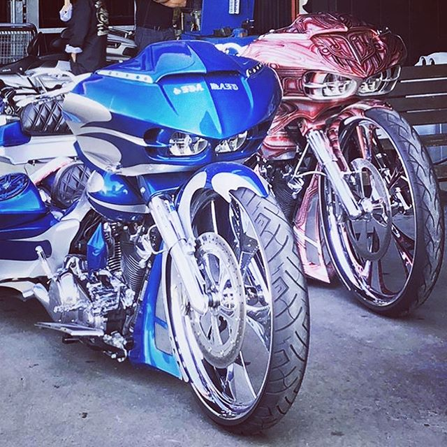 We were in charge of painting!  Thank you! @ironpaddock @aisei1001 #custompaint #coboo #bagger