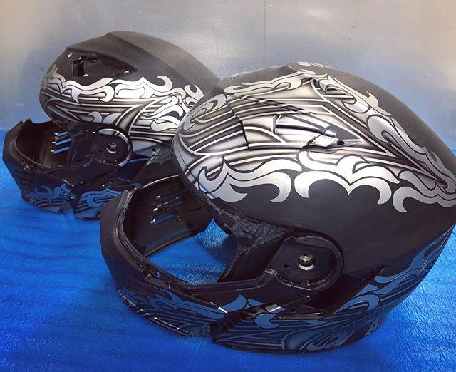 クラッチの修理も完璧♫#simpsonhelmets  ヘルメットもタンデムセットで仕上げにかかります!Next version!? 考案中♫😎#performancebagger #coboobagger #custompaint #harleydavidson #coboo #unitedblockcustoms